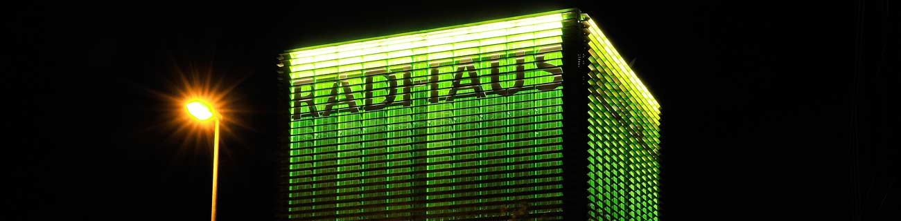 http://nussbaum-technologies.de/uploads/images/backgrounds/radhaus-night-banner.jpg